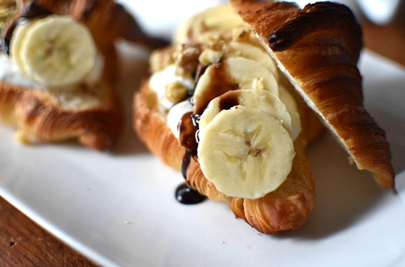 胡桃とチョコバナナのクロワッサン サンドイッチ
